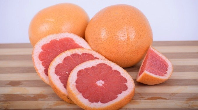 grapefruit whole and slices