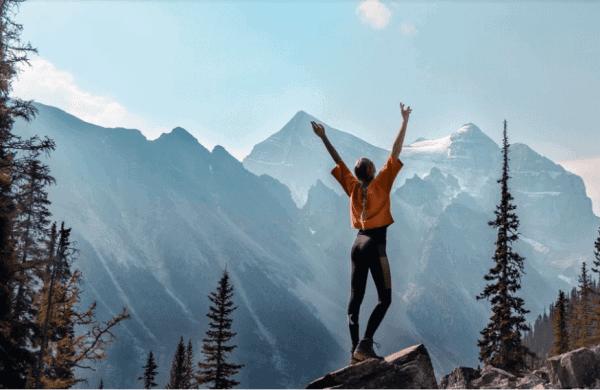 Empowerment, girl hiking in mountains - Pixabay