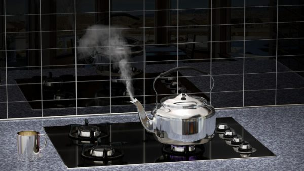 Steaming kettle on stove - Pixabay