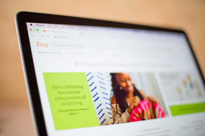 Easy Ways to Earn Extra Cash From Home